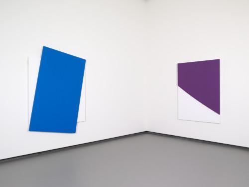 Ellsworth Kelly - Blue Diagonal   Purple Curve in Relief © Ellsworth Kelly © Fondation Louis Vuitton Marc Domage.jpeg