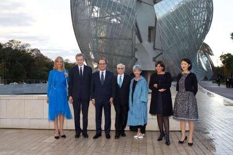 F. Gehry - F. Hollande - H. Arnault - B. Arnault - F. Hollande - F. Gehry - B. I. Aguilera - A. Hidalgo - F. Pellerin©2014 Rindoff Charriau.jpg