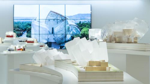 Espace Venice_FLV_Gehry_Buren_2.jpg
