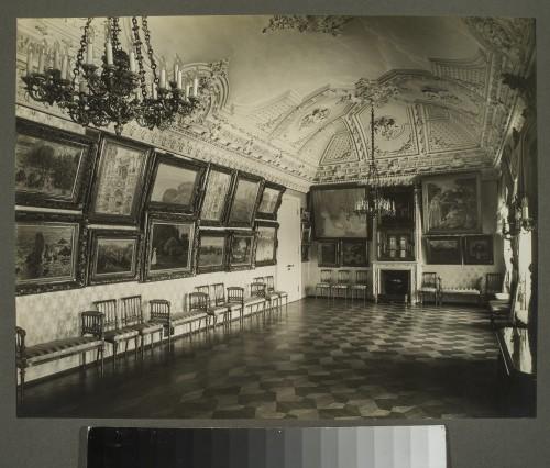 Le salon de musique, la salle des Monet et des impressionnistes, 1914. ©Moscou, Musée des Beaux-Arts Pouchkine. Photo ©Albom photorpher Pavel Orlov, Beginning 1914