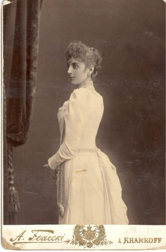 Lidia Koreneva fiancée Kharkov ©Moscou, Musée d'Etat des Beaux-Arts Pouchkine