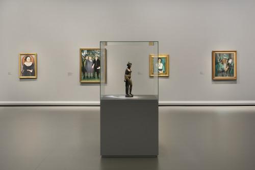 Vue installation salle 7 ©Succession Picasso 2016 pour l'oeuvre de l'artiste ©Succession H. Matisse pour l'oeuvre de l'artiste ©ADAGP, Paris 2016 pour l'oeuvre d'André Derain. Photo Fondation Louis Vuitton / Martin Argyroglo