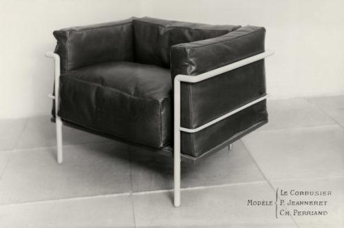 Le Corbusier, Pierre Jeanneret, Charlotte Perriand Fauteuil grand confort, large model,1928