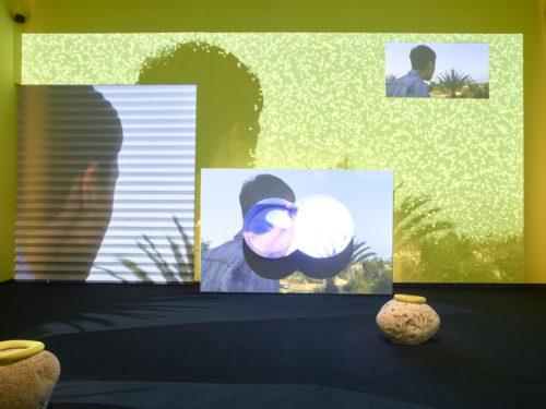 Meriem Bennani, Mission Teens, 2019, Installation vidéo, Vue d'installation, Fondation Louis Vuitton, Paris, © Meriem Bennani © Fondation Louis Vuitton / Marc Domage